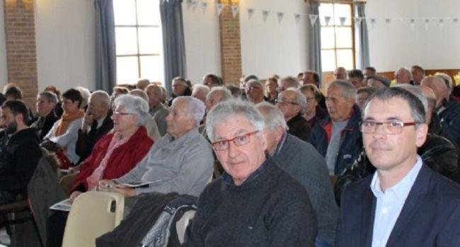 Près de cent vingt sociétaires, clients et salariés de la banque étaient présents./