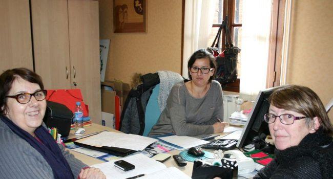 Les filles de l'office de tourisme intercommunal des Portes du Comminges lancent une initiative originale : un concours de la meilleure blanquette de veau./Photo DDM, Y.CS