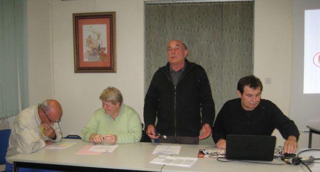 Guy Lasserre (à droite), responsable de cette commission, a expliqué les différentes missions et les projets devant les présidents d'associations réunis./Photo DDM