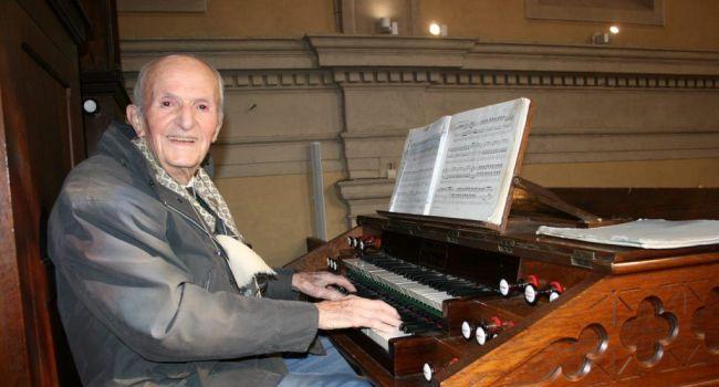 Parmi ses musiciens de prédilection, Victor Ané affectionne tout particulièrement Bach et Haendel./Photo DDM, Y.CS