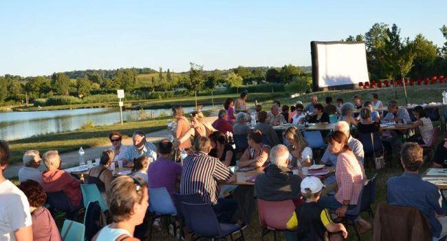 Un rendez-vous important de l'été, où le cinéma repart en tournée dans les coteaux, à la rencontre des habitants de tous âges./ Photo archives.