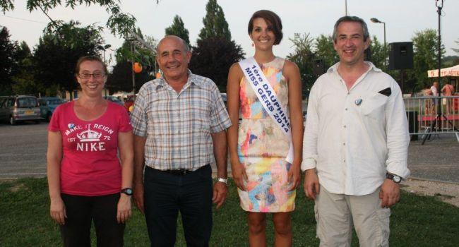 La charmante Emily Ségouffin était invitée par l'association Vie ton village lors de la première édition de Save en folies, samedi dernier . / Photo DDM