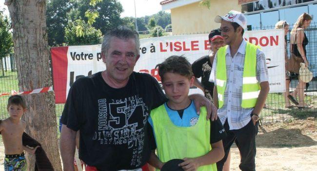 La relève du motard au grand cœur est assurée avec son petit-fils, Sofian., 12 ans. / Photo DDM