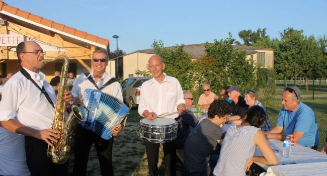 L'orchestre Marc Moreau a mis de l'ambiance lors de cette soirée. / Photo DDM