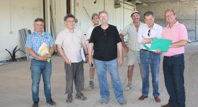 Une réunion de chantier s'est déroulée avec les membres de la commission travaux et les entreprises concernées. / Photo DDM.