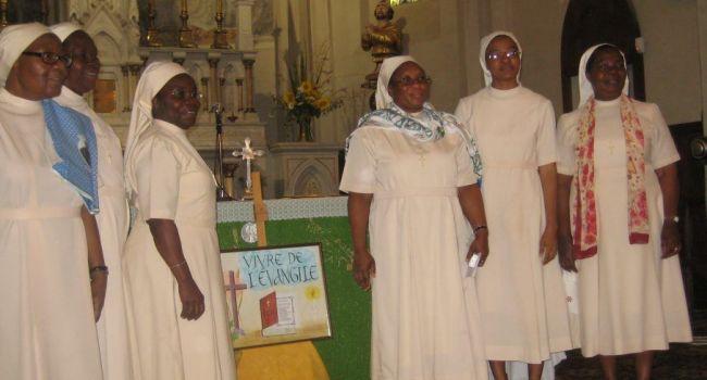 Une messe, chantée et animée par les religieuses de Notre-Dame-de-la -Paix de Côte d'Ivoire.. / Photo DDM