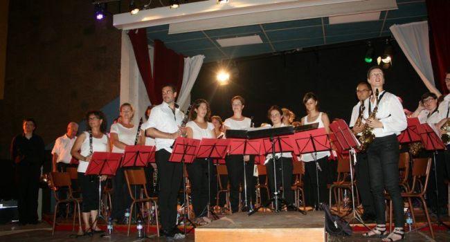 60 musiciens ont donné un concert haut en couleur./ Photo DDM, YCS