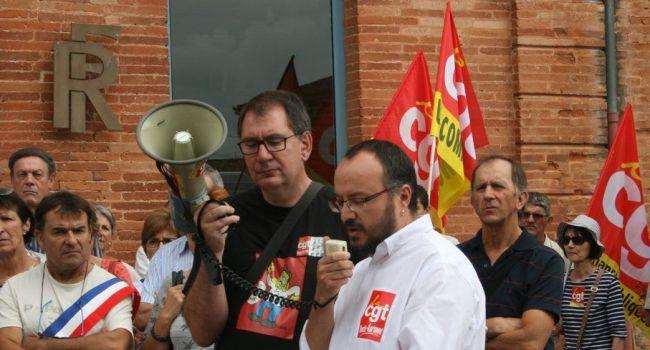 En juillet dernier, une délégation de la CGT Finances Publiques 31 était venue alerter et soutenir les élus du Comminges face à cette menace de fermeture./PhotoDDM, Y.CS
