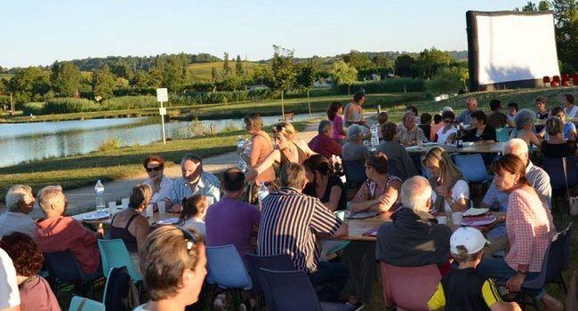 Un rendez-vous important de l'été à L'Isle-en-Dodon, où le cinéma repart en tournée dans les coteaux et vient à la rencontre des habitants./PhptoDDM