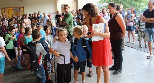 C'est le grand jour pour les élèves du CP. /Photo DDM Y.Ch-Sénac
