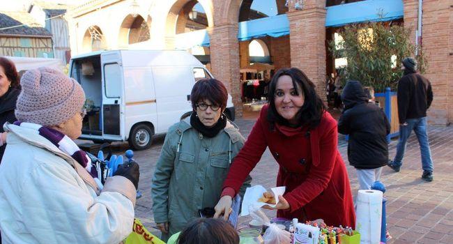 Maryline et Chrystelle de Gest étaient à pied d'œuvre sur le marché lors du Téléthon en décembre./ Photo DDM.