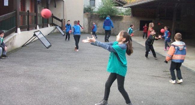Depuis novembre dernier, les élèves des écoles des cycles 2 et 3 ont pu s'initier à ce sport. /Photo DDM