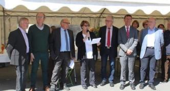 La présidente de l'office de tourisme a accueilli les élus et a souhaité une très belle foire aux nombreux visiteurs./ Photo DDM