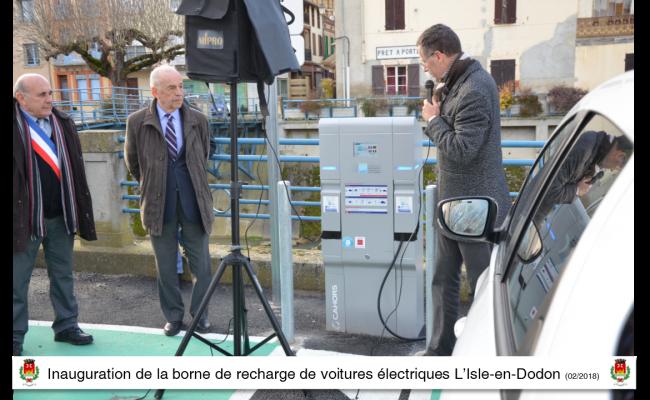 Inauguration borne de recharge de voiture électrique l'isle en dodon